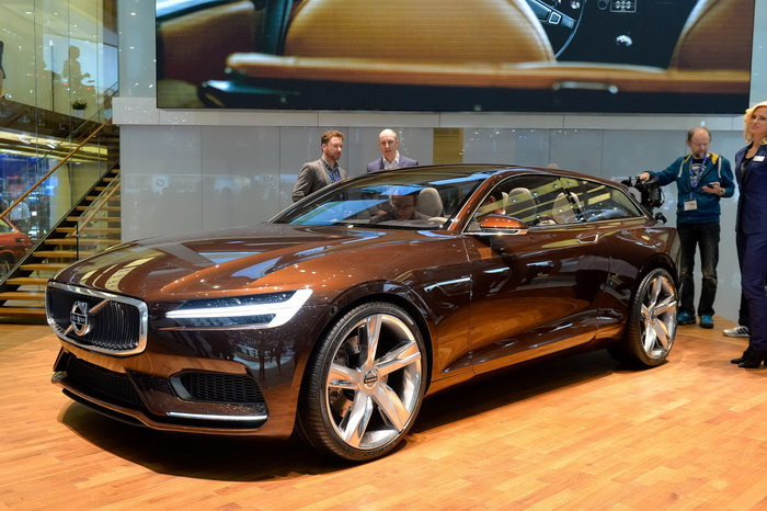 VOLVO ESTATE CONCEPT AT GENEVE-2014 FRONT VIEW